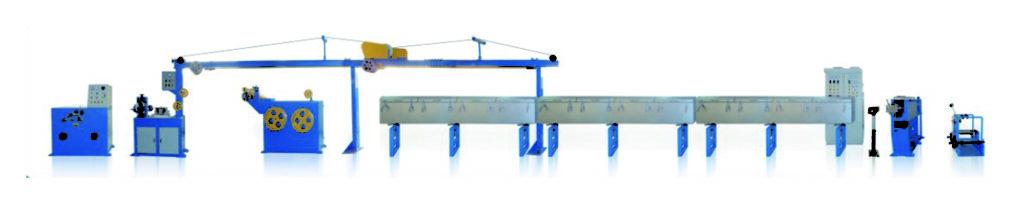 Экструзионная линия предназначена для переработки селиконовой/керамогранической резины. 挤出线3 Технические характеристики на Экструдер XM45/12 ,65/12,90/12 для наложения изоляции силиконовой резины (керамообразующей) 1. главные параметры: 1.1. макс. диаметр на входе: 3-7мм 1.2. макс. диаметр оболочки: 5-10мм 1.3. отклонение наружного диаметра: ≤5% 1.4. линейная скорость: ≤150m/min 1.6. напряжение: 380V±10% 1.7. установочная мощность: 37 кВт. 1.8. высота до точки наложения: 1000mm 2. нагреватель (1) автоматически регулировать температуру подогревания. (2) температура подогревания не более 150℃ 2.1. 45/16 экструдер (1) диаметр шнека ф45, соотношение диаметра к длине 16:1 (2) в центре шнека и втулке цилиндра имеет устройство охлаждения водой. (3) на входе материалов установлено автоматическое устройство для подачи материалов. (4) редуктор, скорость оборотов ≤60 обо./мин (5) привод: двигатель мощностью 37KW с частотным преобразованием.
